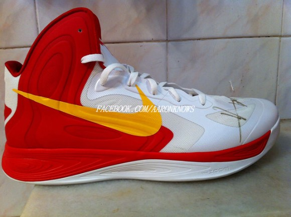 Nike Hyperdunk 2016 Available in July Page 12