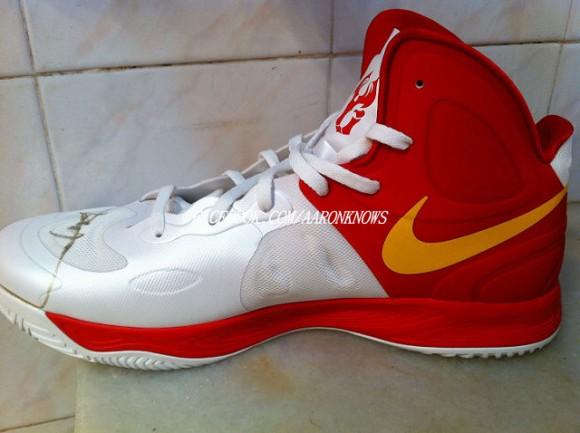 Nike-Zoom-Hyperfuse-2012-'China'-Yi-Jianlian-Autographed-PE-2
