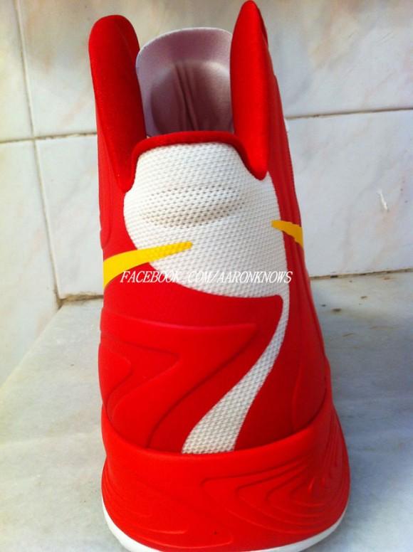 Nike-Zoom-Hyperfuse-2012-'China'-Yi-Jianlian-Autographed-PE-5