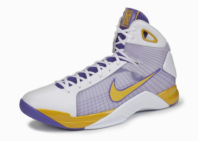 20-Nike-Basketball-Designs-that-Changed-the-Game-Nike-Air-Hyperdunk-15