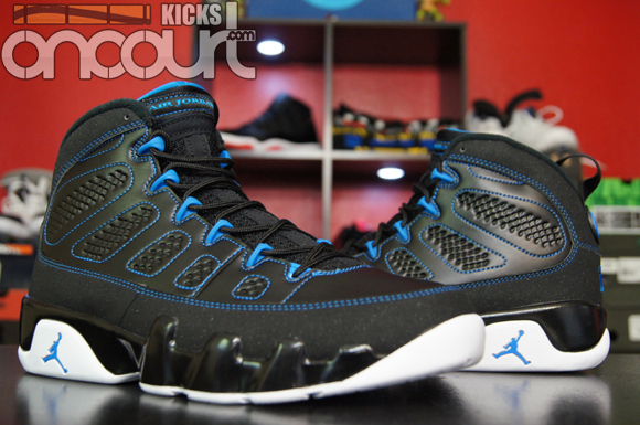 Air-Jordan-IX-(9)-Retro-Black-White-Photo-Blue-Detailed-Images-11