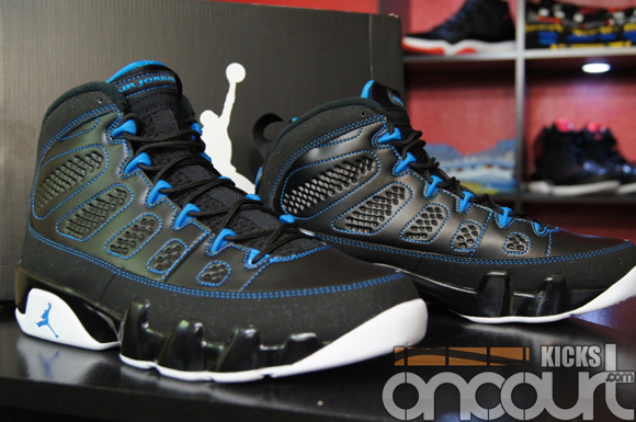 Air-Jordan-IX-(9)-Retro-Black-White-Photo-Blue-Detailed-Images-13