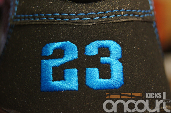 Air-Jordan-IX-(9)-Retro-Black-White-Photo-Blue-Detailed-Images-6