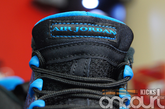 Air-Jordan-IX-(9)-Retro-Black-White-Photo-Blue-Detailed-Images-8