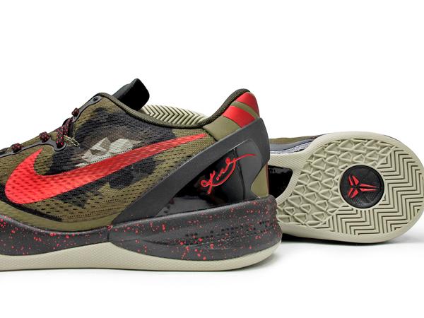 Kobe 8 Python on Foot Nike-kobe-8-system-'python'-a