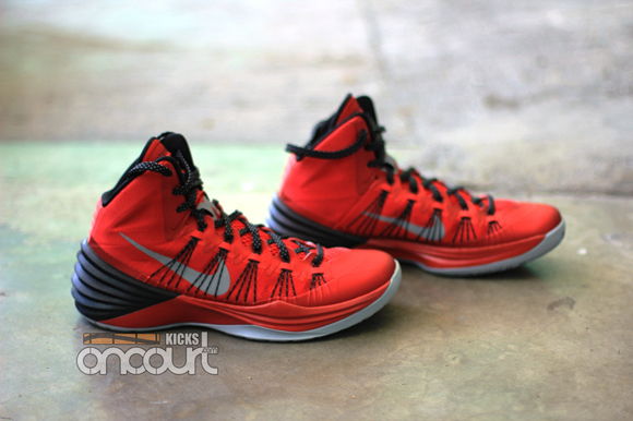 Nike-Hyperdunk-2013-Detailed-Images-3