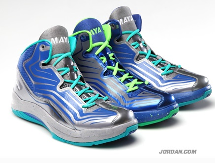 big sale 9f10d a8f3d Air Jordan XX3 Maya Moore PE + Jordan Aero Mania PE 11