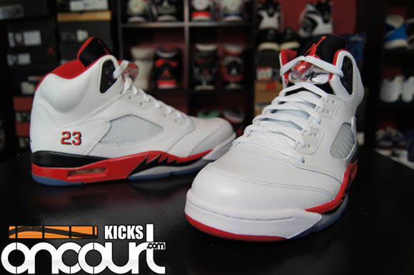 size 40 0972b 53bec Air Jordan 5 Retro 'Fire Red' - Detailed Look & Review ...
