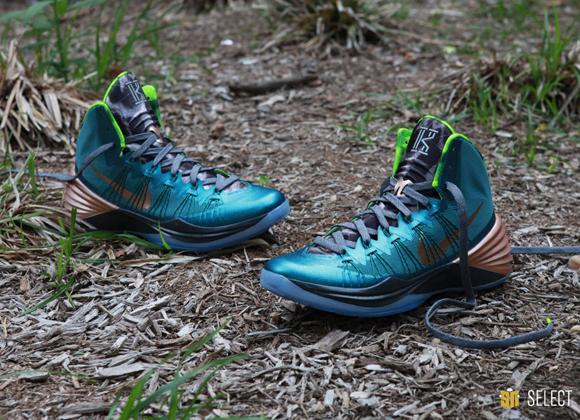 kyrie irving shoes hyperdunk nike hyperdunk 2013 womens