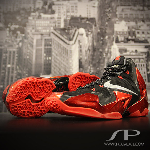 the latest 3a9fb dab6f Nike LeBron XI Black/ Red - Detailed Images - WearTesters