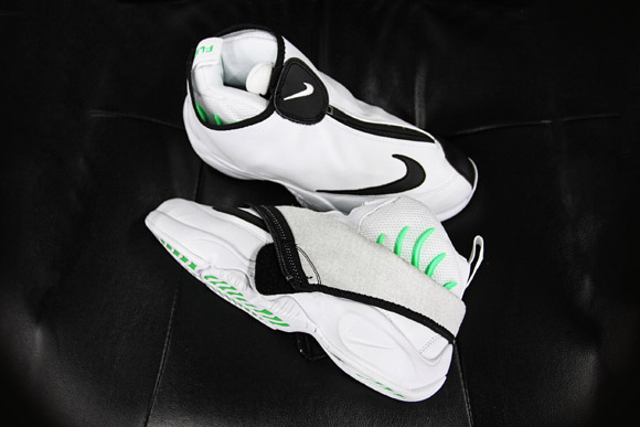 Nike Air Zoom Flight The Glove White Black – Poison Green - Detailed Look  1