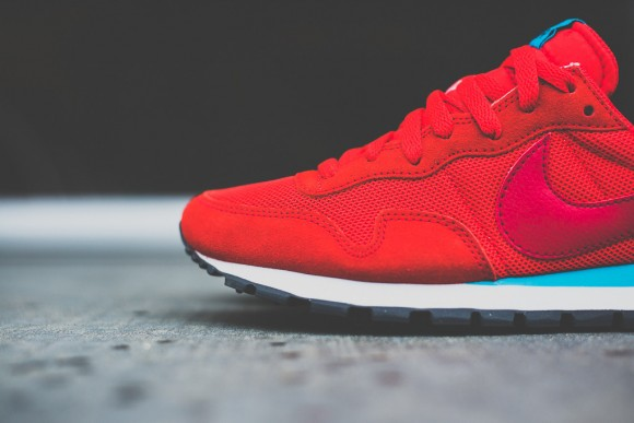 Nike Air Pegasus '83 'Light Crimson' 3