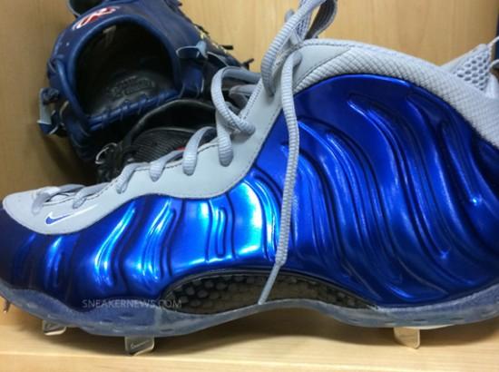 carolina blue basketball shoes royal blue nike baseball cleats