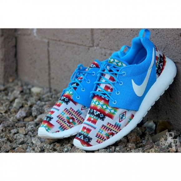 brand new 00974 aee62 nike roshe run blue hero 12.5