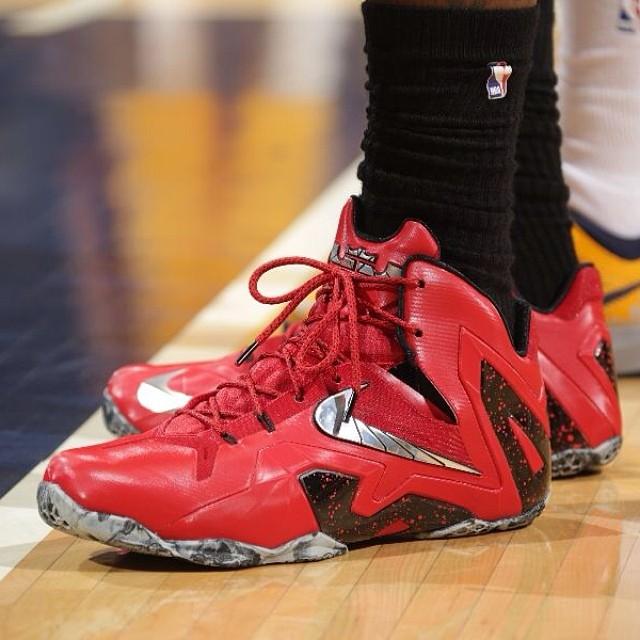 5d5fbd4fae3 nike lebron james basketball shoes nike lebron elite 11