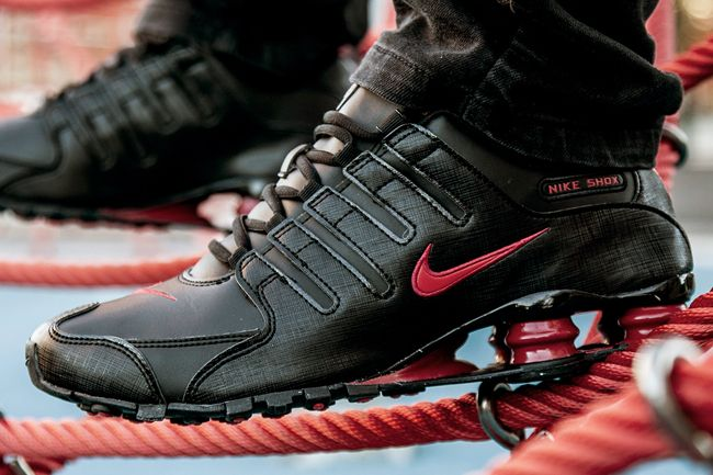new styles 0ded0 f9ffe ... nike-shox-nz-black-gym-red-2 ...