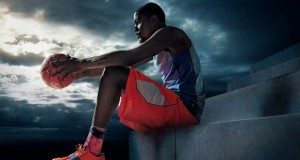 Kevin Durant Stays With the Swoosh