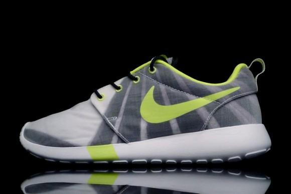 Women's Nike Roshe Run FV – Release Info 1