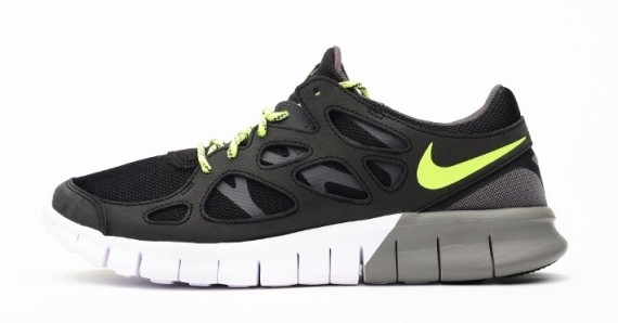 nike free run 2 ext black volt weartesters. Black Bedroom Furniture Sets. Home Design Ideas