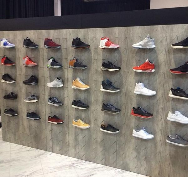 CRAZIEST SNEAKER WALL I'VE EVER SEEN!! SNEAKER SHOPPING IN LOS ANGELES  AGAIN!