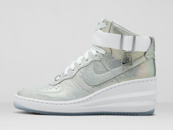 ... wmns-nike-iridescent-collection-1 ...