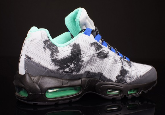 Nike Air Max 95 EM Black Volt
