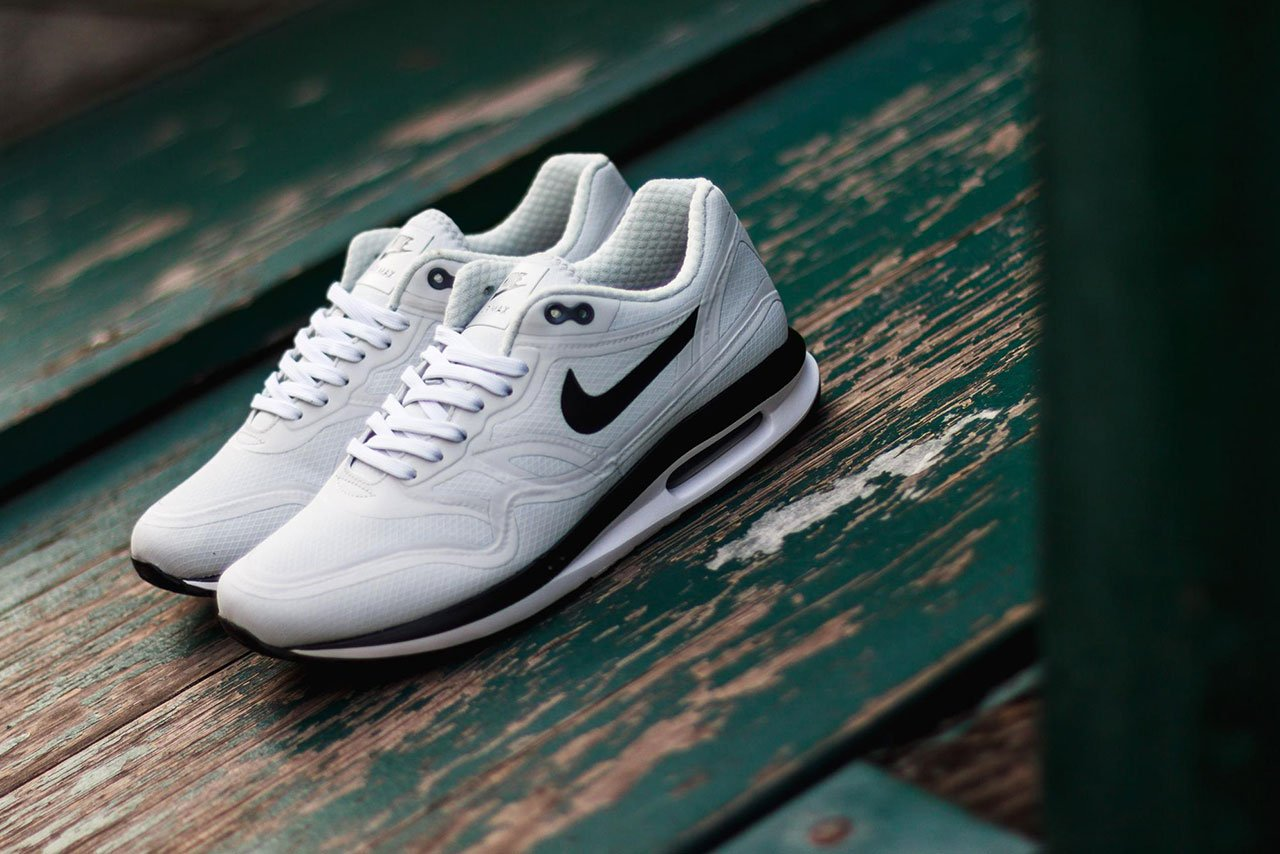 nike air max lunar 1 pure platinum dark raisin. Black Bedroom Furniture Sets. Home Design Ideas