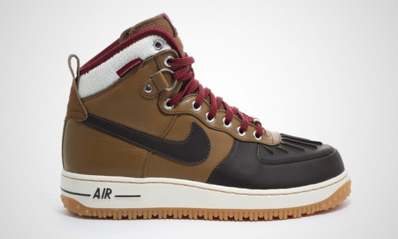 grossiste a6200 3e708 Nike Air Force 1 Duckboot is Back for Winter