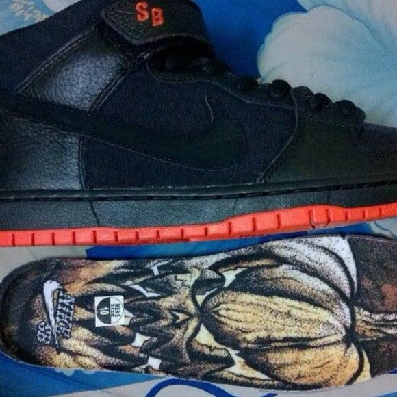 reputable site 265c4 a5826 Nike SB Dunk Mid 'Huanted Halloween'