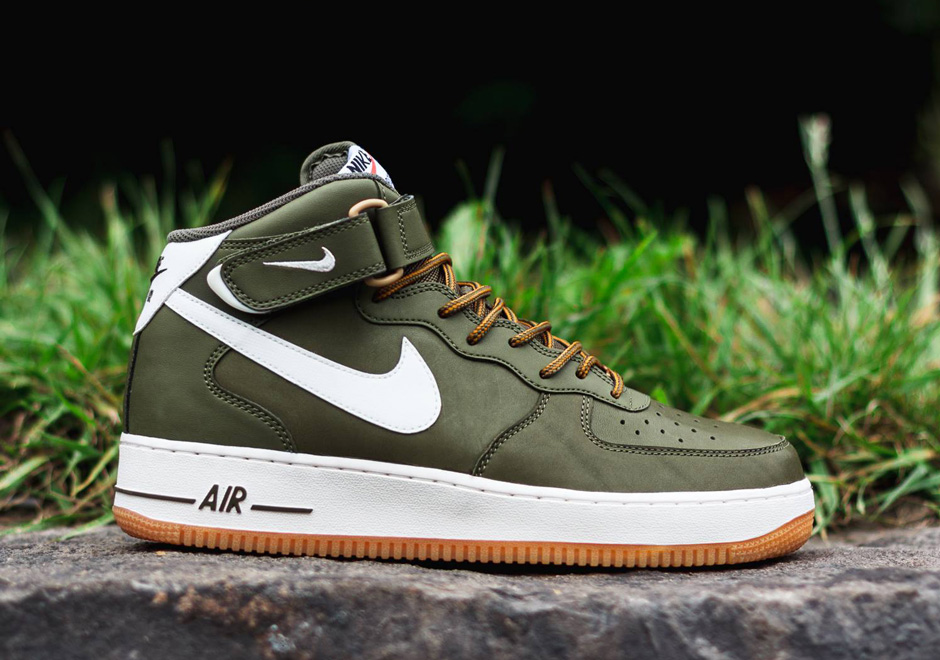Nike Air Force 1 Mid Id