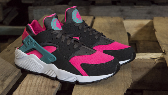 nike air huarache in pink