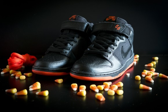"newest bc005 69048 Nike SB Dunk Mid ""Halloween"" - Available Now - WearTesters"