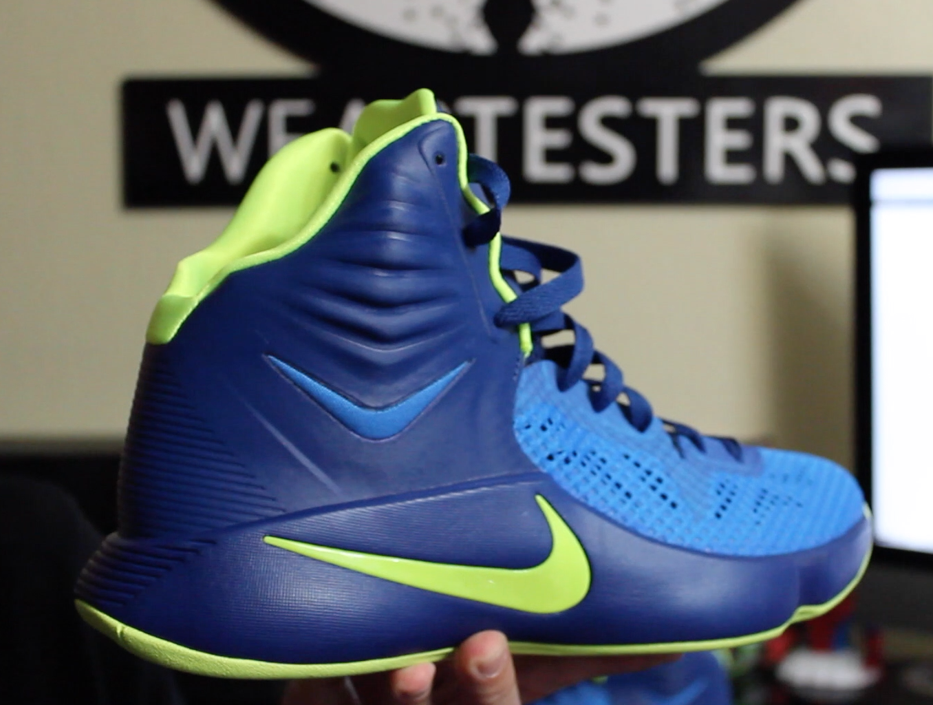 NIKE ZOOM HYPERDUNK 2011 LOW SON OF DRAGON Jeremy Lin