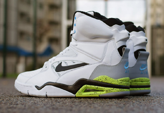 nike-air-command-force-684715-100-rescheduled-00
