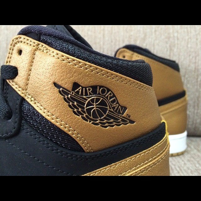 nike jordan retro 1 brown