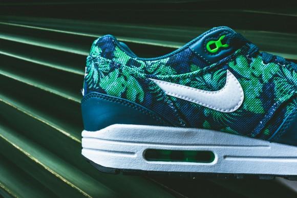 Nike Air Max 1 Blue Flowers