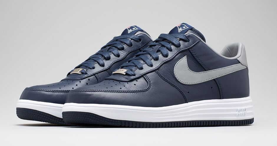 New England Patriots Nike Air Force  Shoes