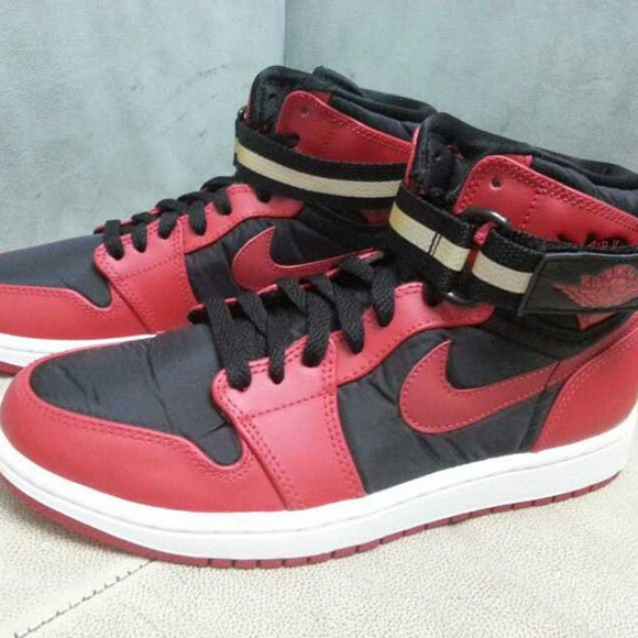 more photos 64a59 d624a The Air Jordan 1 High Strap is Coming Back - WearTesters