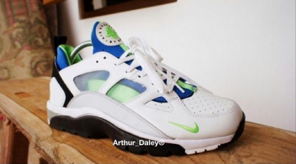 2015 Nike Huarache Trainer Low Scream Green