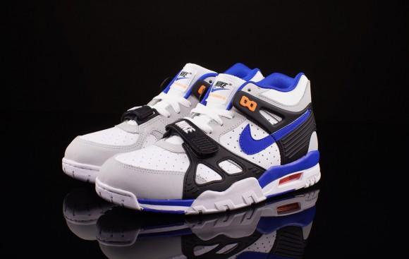 Nike Air Trainer 3 Lion Blue Total Orange 1