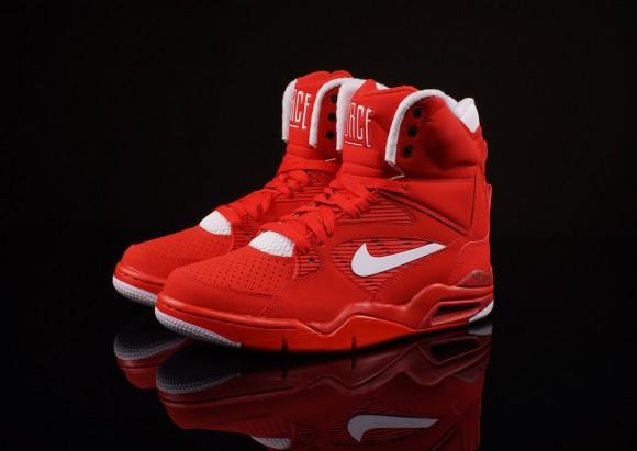 Nike Université De La Force De Commande Dair Footlocker Rouge