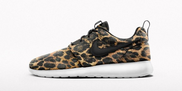 on sale 41007 dfeef leopard print nike roshe run