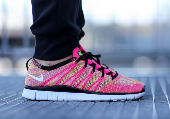 Nike Free Flyknit NSW - New Colorway