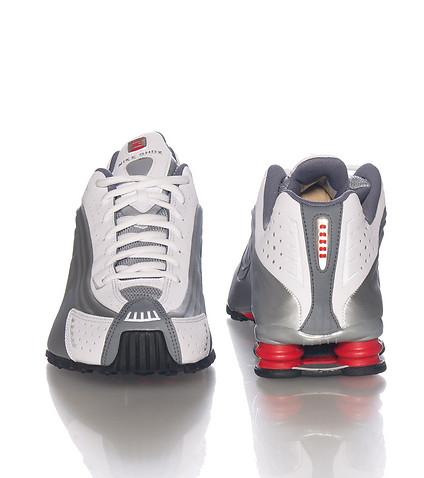 The Original Nike Shox R4 Makes A Return to Retail 2