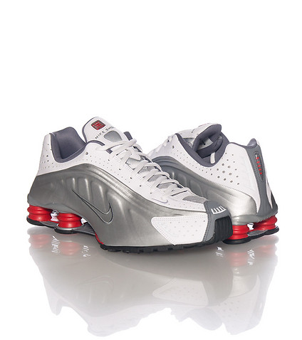 buy popular d7e94 28490 ... The Original Nike Shox R4 Makes A Return to Retail - WearTes ...