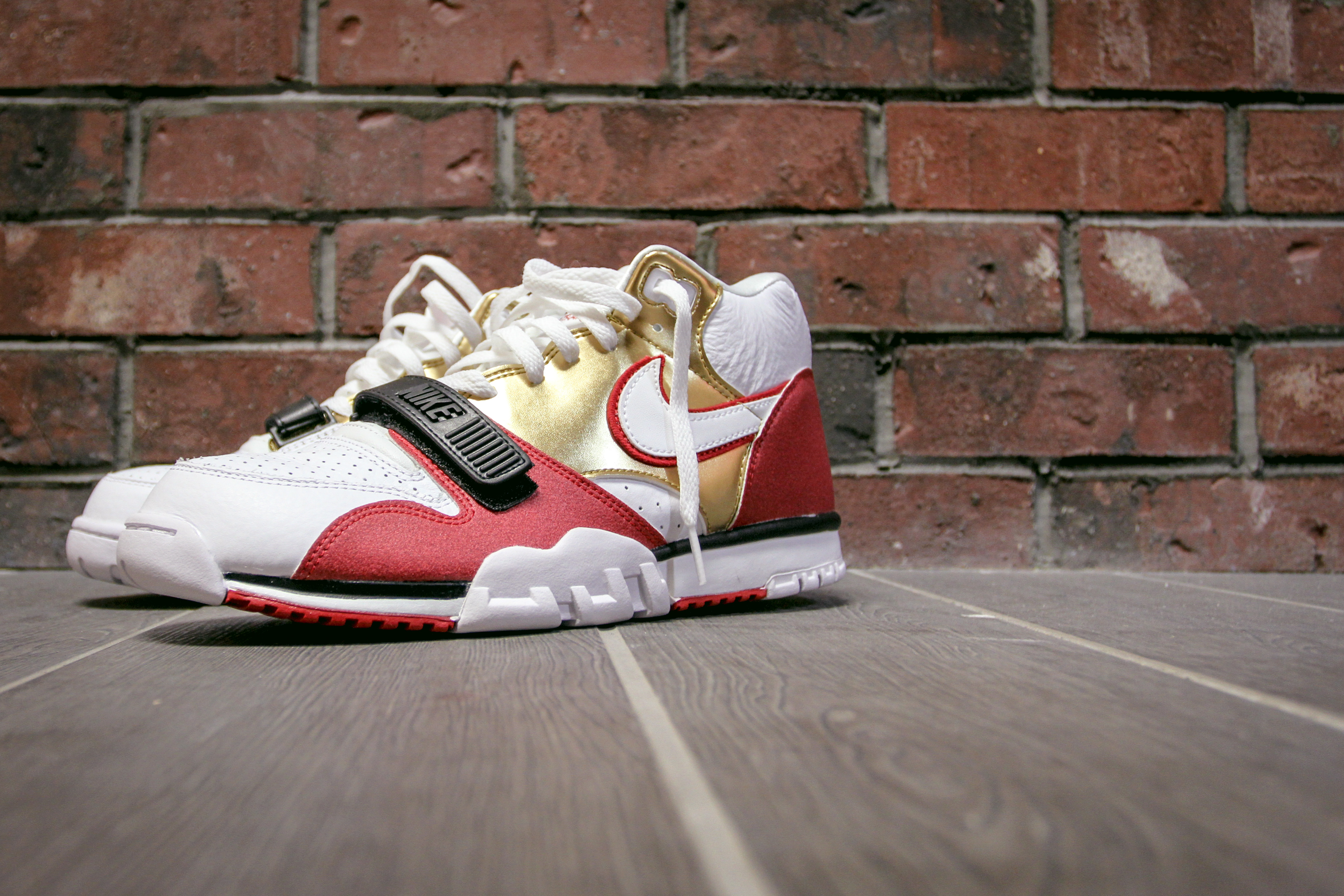 0a7612798717 Welcome to Lakeview Comprehensive Dentistry. nike air trainer 1 prm qs
