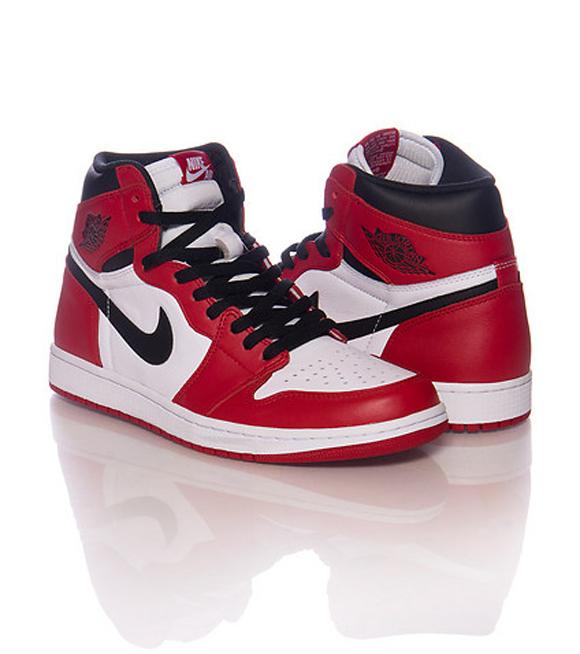 60d8c03d31c Air Jordan 1 Retro High OG 'Chicago' - Retail Images - WearTesters