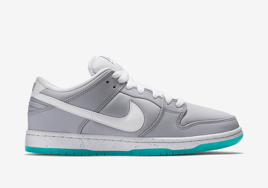 nike dunk low sb 39 air mag 39 available now weartesters. Black Bedroom Furniture Sets. Home Design Ideas