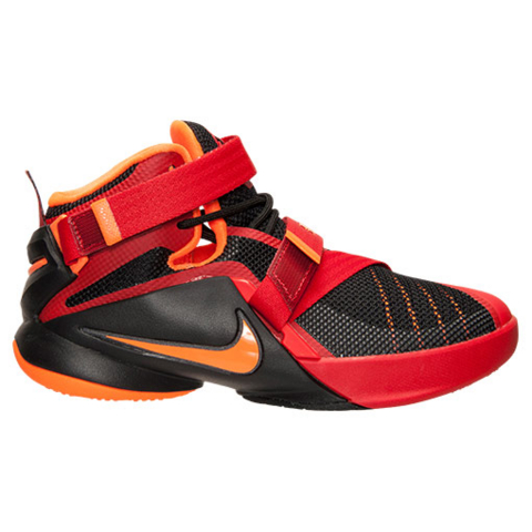 watch 91447 e3ffe A Detailed Look at The 'Chilling Red' Nike Zoom Soldier IX ...