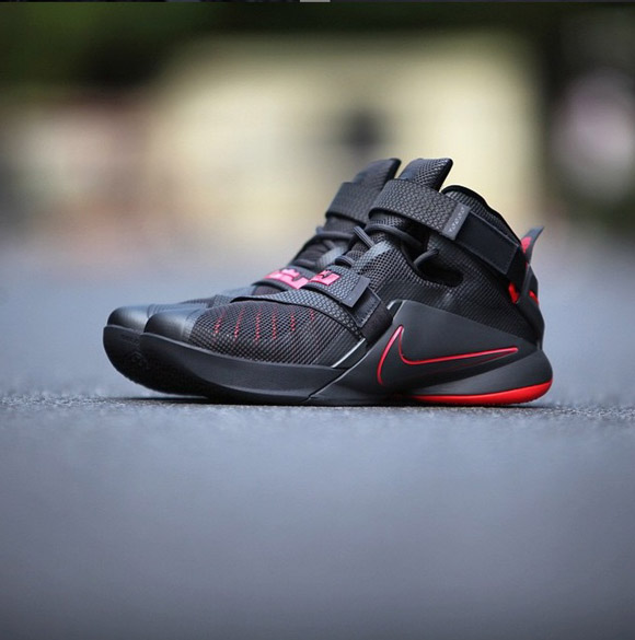 Detailed Look At The Nike Zoom Soldier IX (9) In Black Red 1 ...